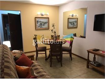 https://www.gallito.com.uy/aptartamento-muy-bien-ubicado-en-la-entrada-de-la-peninsula-inmuebles-17888425