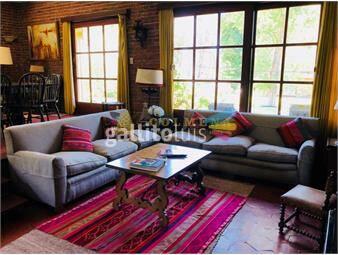 https://www.gallito.com.uy/casa-en-la-mansa-de-3-dormitorios-y-dependencia-de-servicio-inmuebles-17888563