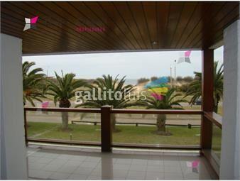 https://www.gallito.com.uy/apartamento-en-brava-3-dormitorios-inmuebles-17950060