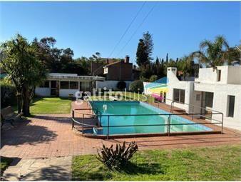 https://www.gallito.com.uy/espectacular-casa-en-carrasco-ideal-empresa-o-residencia-inmuebles-18001183