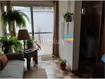 https://www.gallito.com.uy/casa-con-cochera-y-patio-inmuebles-18092402