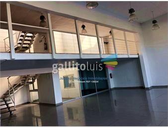 https://www.gallito.com.uy/js-local-comercial-en-buceo-inmuebles-17509520