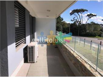 https://www.gallito.com.uy/apartamento-en-playa-mansa-inmuebles-17862266