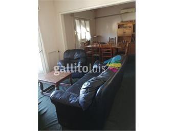 https://www.gallito.com.uy/venta-apartamento-dos-dormitorios-y-servicio-la-comercial-inmuebles-17576907