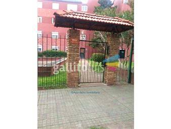 https://www.gallito.com.uy/excelente-en-barrio-cerrado-inmuebles-16917852