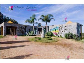 https://www.gallito.com.uy/especatcular-residencia-en-un-lugar-paradisiaco-entorno-d-inmuebles-17950464