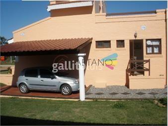 https://www.gallito.com.uy/hermosa-casa-con-piscina-y-hidromasaje-en-manantiales-inmuebles-18410885