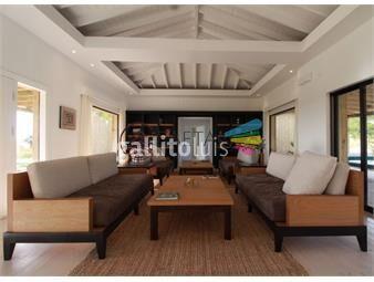 https://www.gallito.com.uy/casa-4-habitaciones-en-barrio-privado-inmuebles-18411545