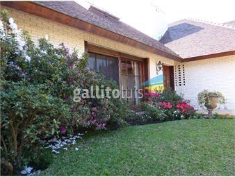https://www.gallito.com.uy/alquiler-venta-casa-4-dormitorios-2-suite-magnifica-resid-inmuebles-18354889