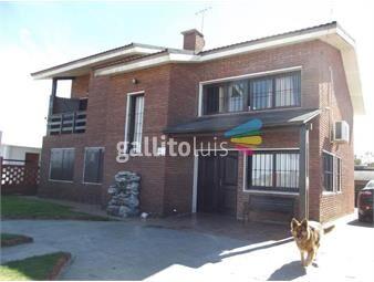 https://www.gallito.com.uy/venta-casa-tres-dormitorios-lomas-de-solymar-piscina-barb-inmuebles-18505558