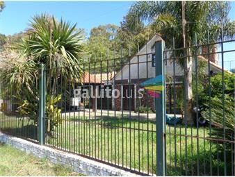 https://www.gallito.com.uy/venta-chalet-con-gran-terreno-y-piscina-inmuebles-16979737