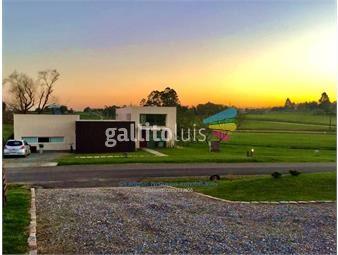 https://www.gallito.com.uy/venta-casa-3-dormitorios-altos-de-la-tahona-inmuebles-18254191