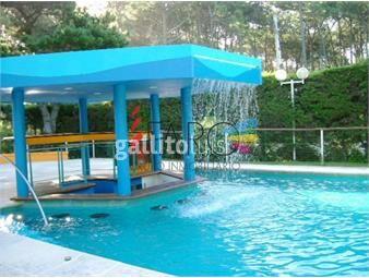 https://www.gallito.com.uy/casa-en-lugano-5-dormitorios-con-piscina-climatizada-inmuebles-18601704