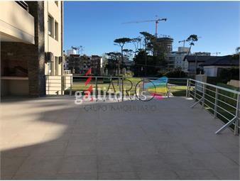 https://www.gallito.com.uy/apartamento-en-mansa-2-dormitorios-con-terraza-y-parrillero-inmuebles-18602595