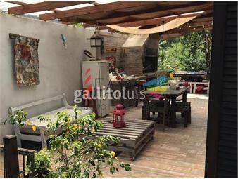https://www.gallito.com.uy/casa-en-pinares-2-dormitorios-y-entrepiso-con-parrillero-inmuebles-18602756