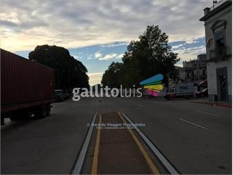 https://www.gallito.com.uy/venta-local-sobre-rambla-frente-al-puerto-con-parking-inmuebles-18443514