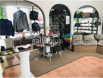 https://www.gallito.com.uy/venta-de-local-comercial-mas-4-aptos-inmuebles-18679414