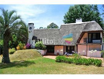 https://www.gallito.com.uy/6-dormitorios-cerro-de-caracoles-inmuebles-18683568