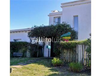 https://www.gallito.com.uy/3-dormitorios-los-picaflores-inmuebles-18684077