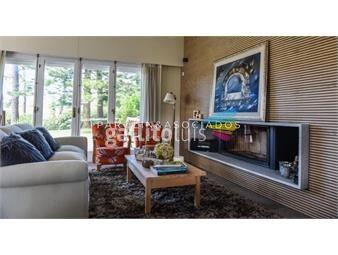 https://www.gallito.com.uy/espectacular-residencia-en-venta-playa-mansa-punta-del-es-inmuebles-18688632