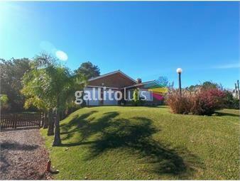 https://www.gallito.com.uy/casa-a-cuadra-y-media-de-la-playa-inmuebles-17346151