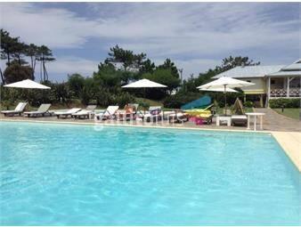 https://www.gallito.com.uy/laguna-blanca-5-dormitorios-piscina-vista-aire-acondicionad-inmuebles-18707242