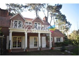 https://www.gallito.com.uy/gran-casa-de-cuatro-dormitorios-en-punta-del-este-inmuebles-18568189