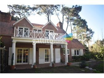 https://www.gallito.com.uy/gran-casa-de-cuatro-dormitorios-en-punta-del-este-inmuebles-18612889