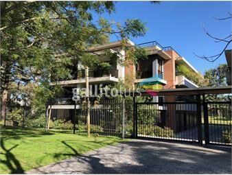 https://www.gallito.com.uy/apartamento-en-carrasco-de-caracteristicas-unicas-inmuebles-18744572