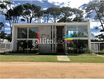 https://www.gallito.com.uy/casa-en-boulevard-park-4-dormitorios-con-piscina-climatizad-inmuebles-18755551