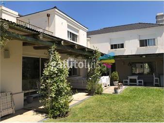https://www.gallito.com.uy/venta-casa-en-barrio-san-nicolas-inmuebles-13044088