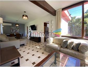 https://www.gallito.com.uy/hermosa-y-cã³moda-casa-en-playa-mansa-inmuebles-18804076
