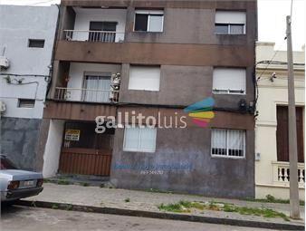 https://www.gallito.com.uy/venta-apartamento-con-patio-1-dormitorio-la-comercial-inmuebles-18754089