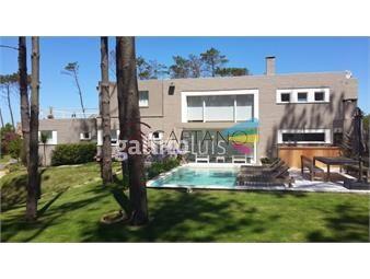 https://www.gallito.com.uy/excelente-casa-de-cinco-dormitorios-en-laguna-blanca-inmuebles-18411692