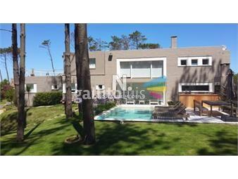 https://www.gallito.com.uy/excelente-casa-de-cinco-dormitorios-en-laguna-blanca-inmuebles-18612992