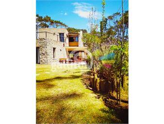 https://www.gallito.com.uy/casa-en-montoya-3-dormitorios-y-dependencia-completa-inmuebles-16400791