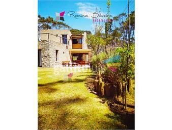 https://www.gallito.com.uy/casa-en-montoya-3-dormitorios-y-dependencia-completa-inmuebles-18803416