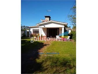 https://www.gallito.com.uy/hermosa-y-comoda-casa-en-zona-muy-arbolada-inmuebles-18661292