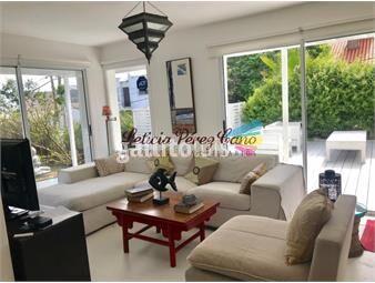 https://www.gallito.com.uy/venta-casa-en-la-barra-3-dormitorios-con-piscina-inmuebles-17644432
