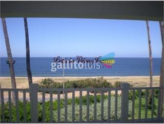 https://www.gallito.com.uy/venta-casa-1-era-linea-al-mar-en-playa-mansa-8-dormitorios-inmuebles-18833222