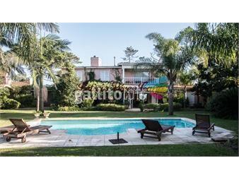 https://www.gallito.com.uy/venta-casa-en-playa-mansa-4-dormitorios-inmuebles-17644837
