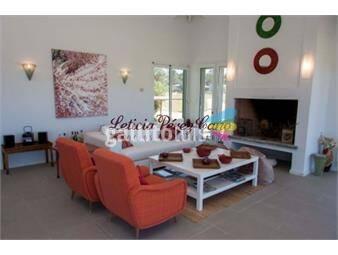 https://www.gallito.com.uy/hermosa-casa-con-excelente-vista-al-mar-inmuebles-17862765