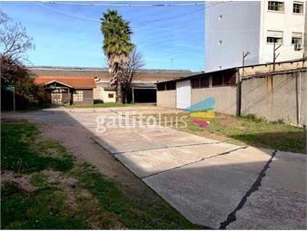 https://www.gallito.com.uy/gran-terreno-de-2527-m2-en-el-medio-de-la-ciudad-inmuebles-18946892
