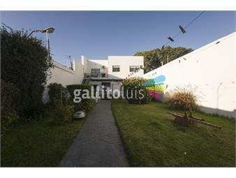 https://www.gallito.com.uy/venta-de-dos-casas-en-un-padron-impecable-estado-gran-fo-inmuebles-18947573