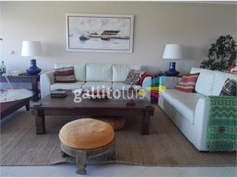 https://www.gallito.com.uy/apartamento-en-brava-4-dormitorios-inmuebles-17396460