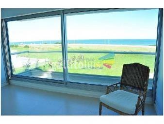 https://www.gallito.com.uy/apartamento-en-brava-3-dormitorios-inmuebles-17400171
