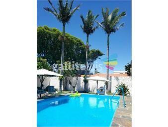 https://www.gallito.com.uy/gran-casa-3-dormitorios-con-fondo-y-piscina-inmuebles-18979653