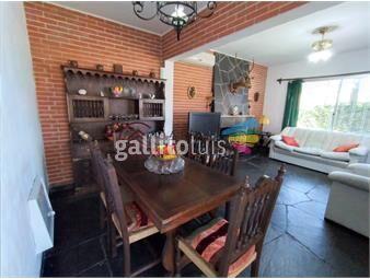 https://www.gallito.com.uy/venta-y-alquiler-casa-tres-dormitorios-inmuebles-18410854