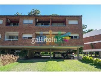 https://www.gallito.com.uy/hermoso-apartamento-esquinero-en-zona-arbolada-en-la-parada-inmuebles-17862895