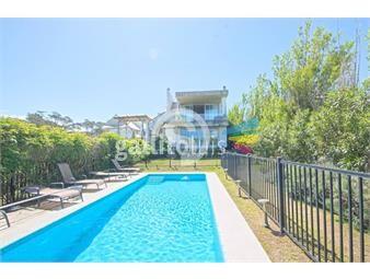 https://www.gallito.com.uy/excelente-propiedad-de-3-dormitorios-a-pocos-metros-del-mar-inmuebles-18517998